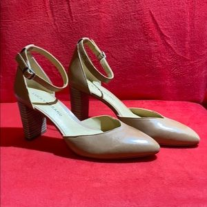 Lucky Brand Mariannah Pump in Nude color